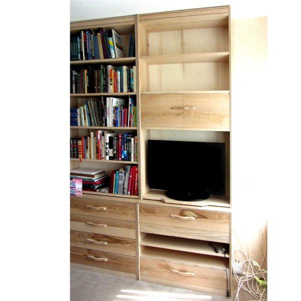 Boekenkast in meerdere delen